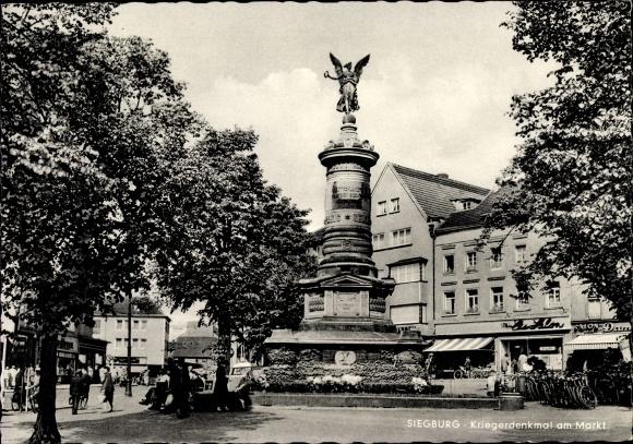 Ak Siegburg im Rhein Sieg Kreis, Kriegerdenkmal am Markt, Geschäfte, Passanten 0