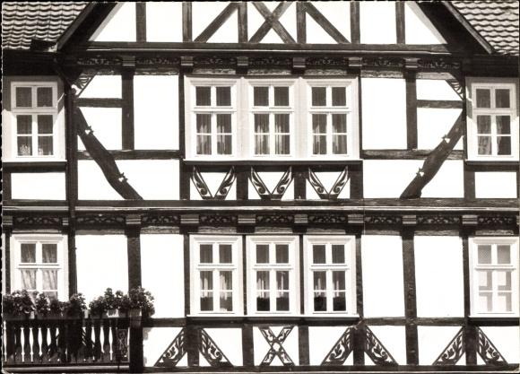 Ak Eschwege in Hessen, Altes Fachwerkhaus am Marktplatz 0
