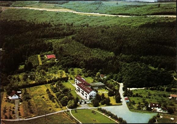 Ak Holzhausen Burbach Siegerland, Familienferienheim Blaues Kreuz in Dtl. e.V., Fliegeraufnahme