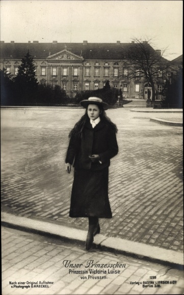 Ak Prinzessin Victoria Luise von Preußen, Portrait auf einer Straße, Liersch 1289 0