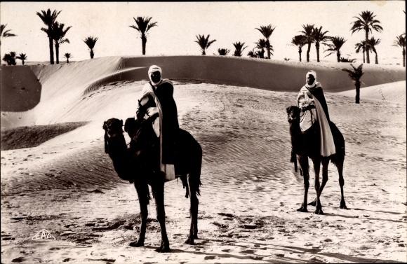 Ak Maghreb, Paysage au Désert, Kamele, Wüste, Männer in traditioneller Kleidung 0