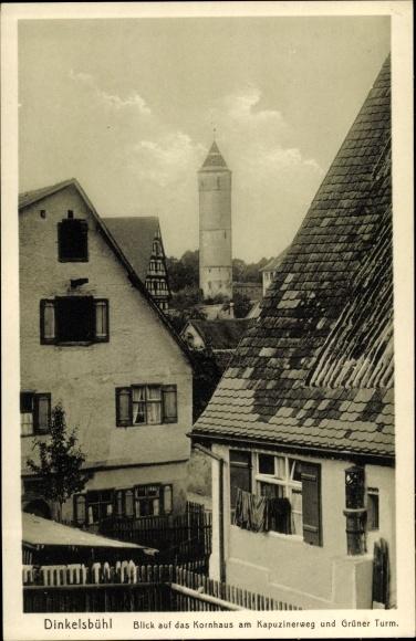 Ak Dinkelsbühl in Mittelfranken, Blick auf das Kornhaus am Kapuzinerweg und Grüner Turm