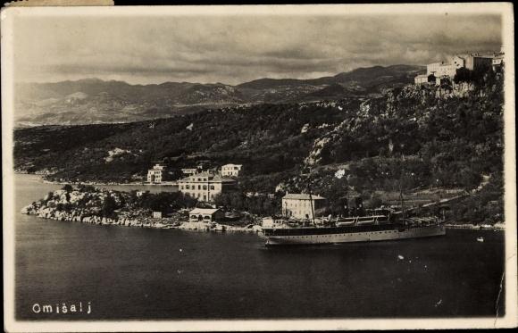 Foto Ak Omišalj Kroatien, Totalansicht, Dampfer 0