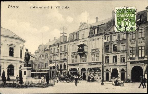 Ak Odense Dänemark, Flakhavn med Fr. VII. Statue, G. Fischer Nielsen 0
