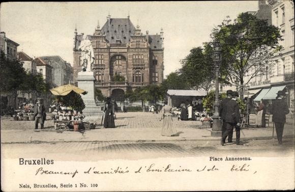 Ak Bruxelles Brüssel, Place Anneesens, Monument, Passants, Foyers de Luxe et Ordinaires 0