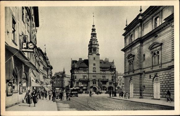 Ak Opava Troppau Reg. Mährisch Schlesien, Oberring, Rathaus, Läden, Passanten