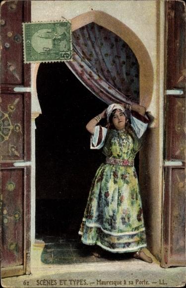 Ak Maghreb, Scenes et Types, Mauresque a sa Porte, Maurische Frau an der Tür 0