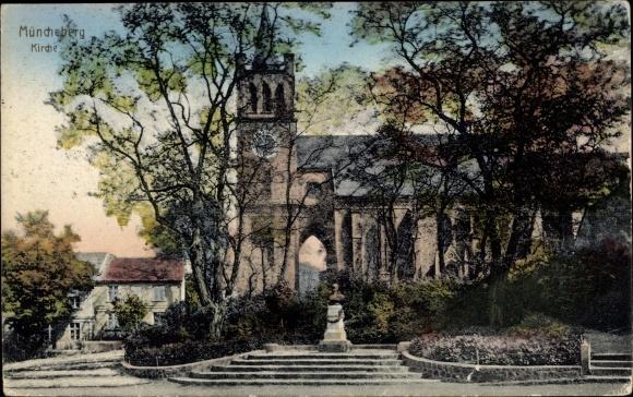 Ak Müncheberg Märkisch Oderland, Kirche und Denkmal, Parkanlagen 0