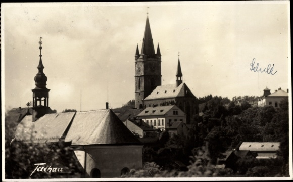 Foto Ak Tachov Tachau Reg. Pilsen, Kirchen, Schule, Blick über die Dächer