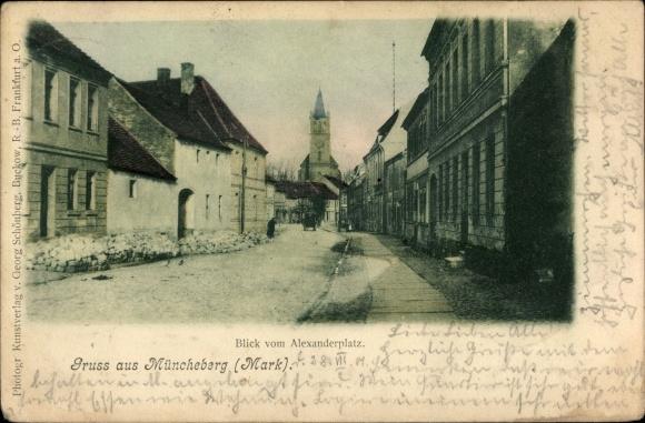 Ak Müncheberg Märkisch Oderland, Alexanderplatz, Straßenpartie und Kirche