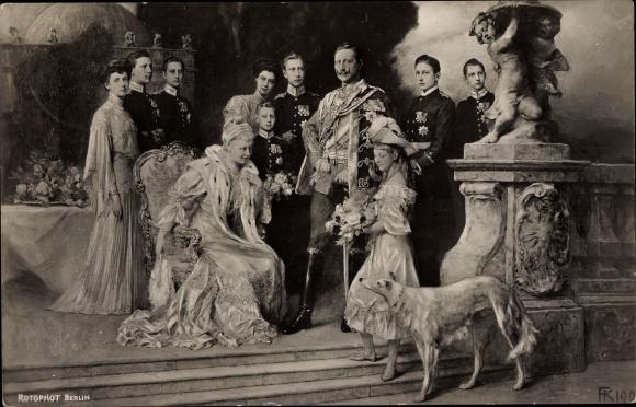 Ak Kaiser Wilhelm II., Kaiserin Auguste Viktoria, Kronprinz Wilhelm von Preußen, Prinzen, Windhund