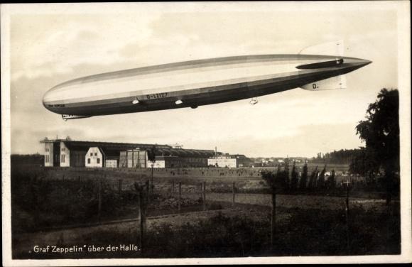 Ak Graf Zeppelin über der Halle, Luftschiff, LZ 127