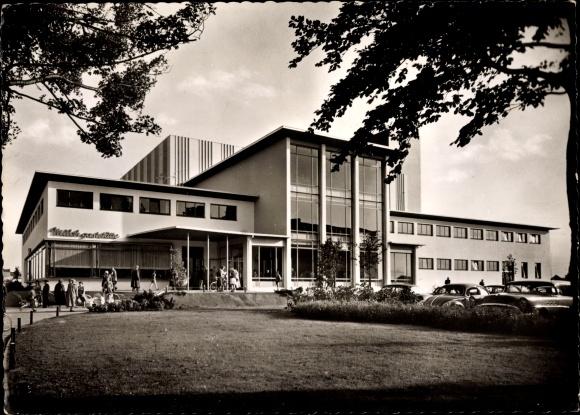 Ak Bremerhaven, Stadtbad, Milchgaststätte, Parkplatz, Autos