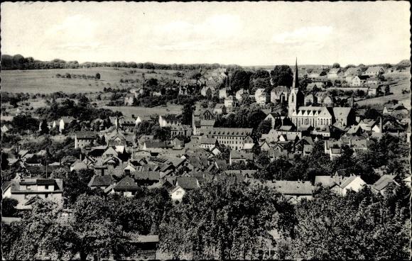 Ak Höhr Grenzhausen im Westerwaldkreis, Totalansicht vom Ort, Blick auf die Kirche