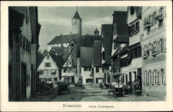 Ak Dinkelsbühl in Mittelfranken, Untere Schmiedgasse mit Blick auf Kapuziner Kloster