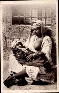 Ak Scènes et Types, Mauresque et son enfant, Mutter mit Säugling