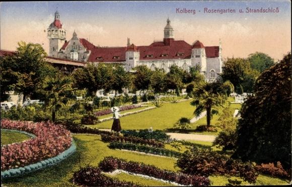 Ak Kołobrzeg Kolberg Pommern, Rosengarten, Strandschloss