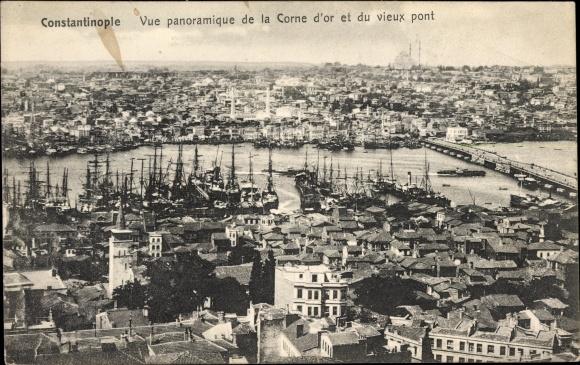 Ak Konstantinopel Istanbul Türkei, Vue panoramique de la Corne d'or et du vieux pont