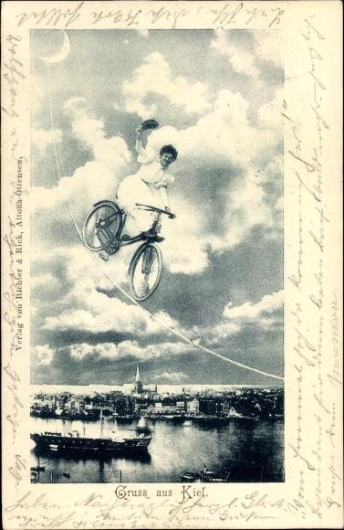 Ak Kiel in Schleswig Holstein, Frau balanciert mit Rad auf Seil zum Mond, Hochseil, Fotomontage