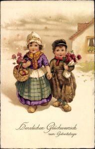 Litho Glückwunsch Geburtstag, Junge und Mädchen mit Holzschuhen, Blumenstrauß