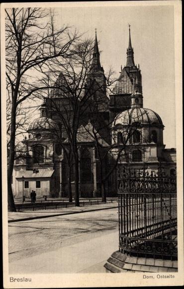 Ak Wrocław Breslau Schlesien, Straßenpartie mit Blick auf den Dom, Ostseite