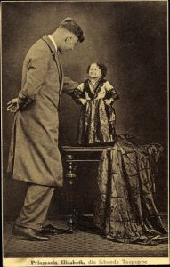 Ak Prinzessin Elisabeth, die lebende Teepuppe, Liliputanerin