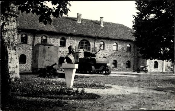 Ak Banja Luka Bosnien Herzegowina, Muzej Bosanske krajine, Panzer, Denkmal, Museum