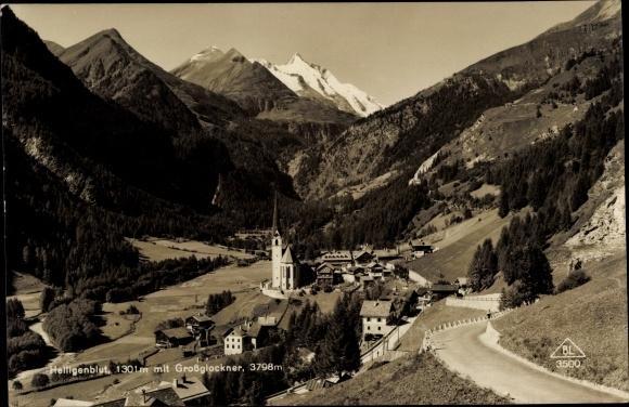Ak Heiligenblut am Großglockner in Kärnten, Totalansicht, Großglockner