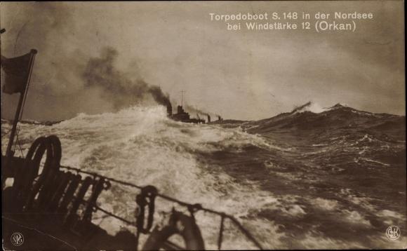 Ak Deutsches Kriegsschiff, Torpedoboot S. 148 in der Nordsee, Orkan