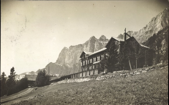 Foto Ak St. Gallen, Kurhaus Schrina, Außenansicht