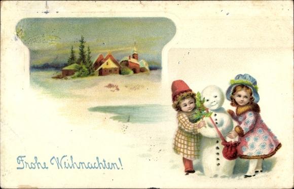 Präge Litho Glückwunsch Weihnachten, Zwei Mädchen mit einem Schneemann