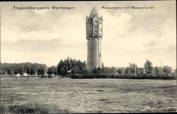 Ak Poznań Posen, Truppenübungsplatz Warthelager, Kaiserplatz mit Wasserturm