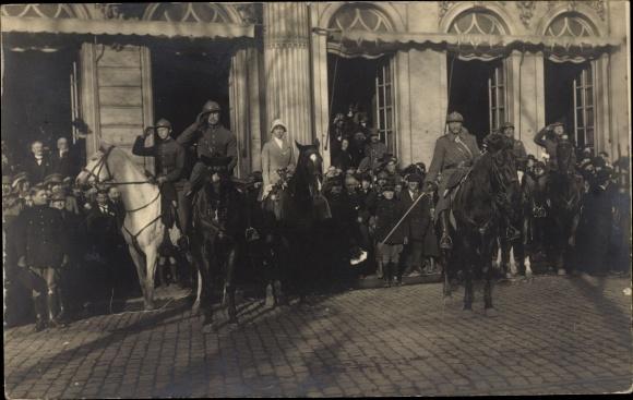 Foto Ak Gent Ostflandern, Belgisches Militär, 1e Batterie Armee Belge en Campagne, Offiziere