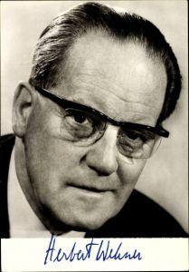 Ak Herbert Wehner, Portrait, Mitglied d. SPD Präsidiums, aufgedruckte Unterschrift