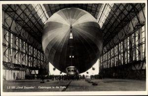 Ak LZ 127 Graf Zeppelin, Einbringen in die Halle