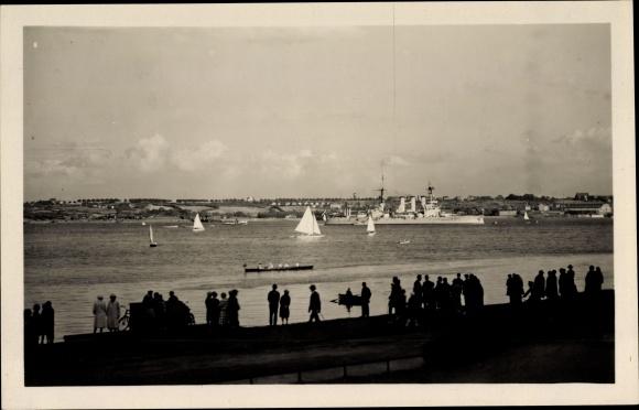 Foto Ak Deutsches Kriegsschiff, Linienschiff Hessen im Hafen, Kaiserliche Marine