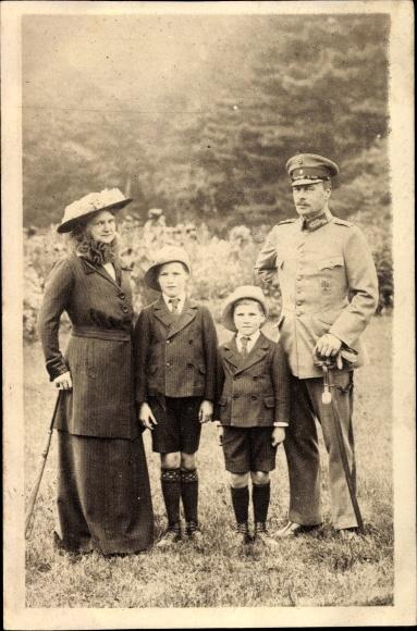 Ak Großherzog Ernst Ludwig von Hessen Darmstadt, Eleonore, Prinzen