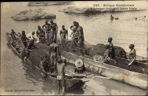 Ak Senegal, Pecheurs rentrant leurs filets, Fischer kontrollieren die Netze