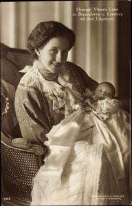 Ak Prinzessin Victoria Luise von Preußen, Portrait mit dem Erbprinzen, Liersch 7005