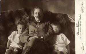 Ak Kaiser Wilhelm II. mit seinen beiden ältesten Enkeln, Liersch 3686