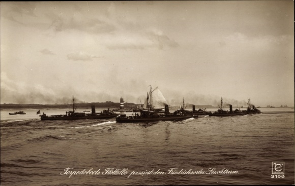 Ak Deutsche Kriegsschiffe, Torpedoboots Flottille, Leuchtturm Friedrichsort, Kaiserliche Marine