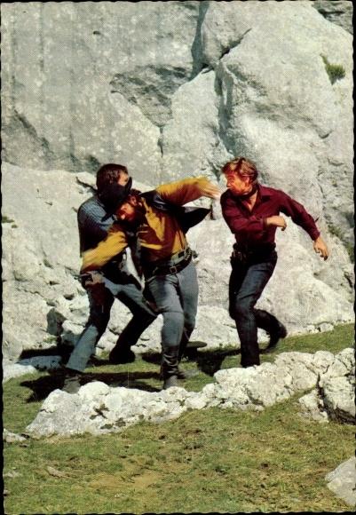Ak Filmszene Unter Geiern, Martin kämpft gegen zwei Geier