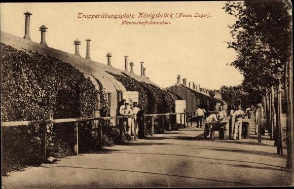 Ak Königsbrück in der Oberlausitz, Truppenübungsplatz, Neues Lager, Mannschaftsbaracken, Soldaten