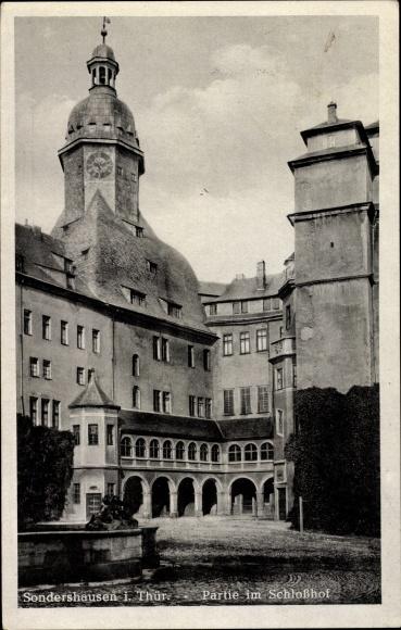 Ak Sondershausen im Kyffhäuserkreis Thüringen, Partie im Schlosshof