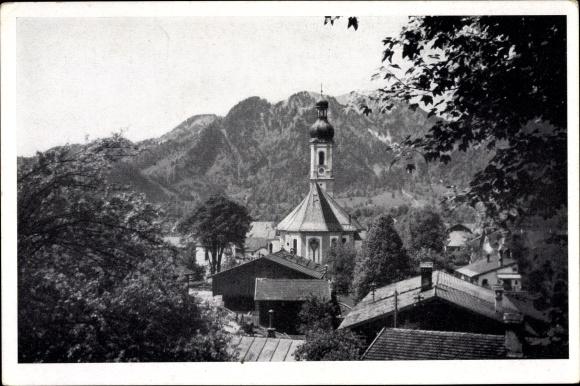 Ak Lenggries in Oberbayern, Brauneck, Blick über die Dächer der Stadt, Kirche, Alpen