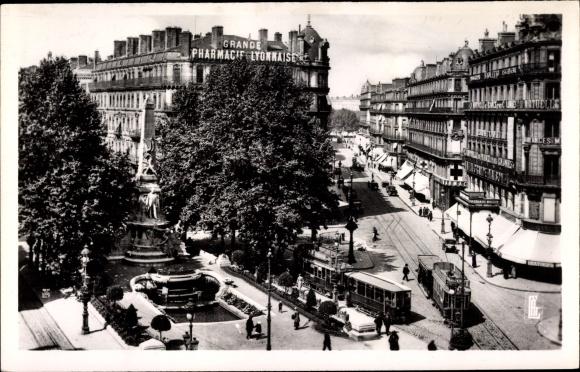 Ak Lyon Rhône, Place de la Republique, Monument Carnot et rue President Carnot