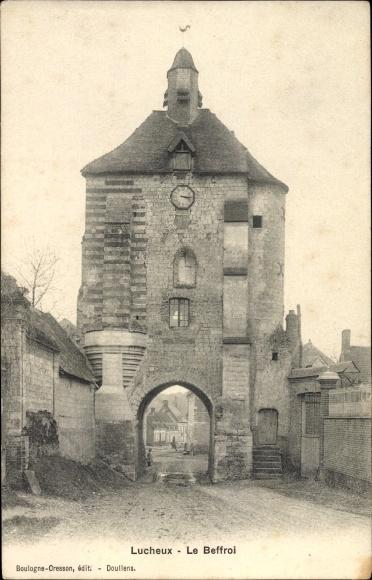 Ak Lucheux Somme, Le Beffroi