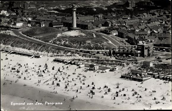 Ak Egmond aan Zee Nordholland, Panorama, Strand, Leuchtturm, Häuser