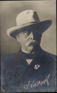 Ak Fürst Otto von Bismarck, Portrait, Hut, NPG
