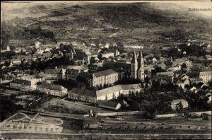 Ak Echternach Luxemburg, Teilansicht vom Ort, Kirche, Bahnhof, Stadtmauer, Fliegeraufnahme